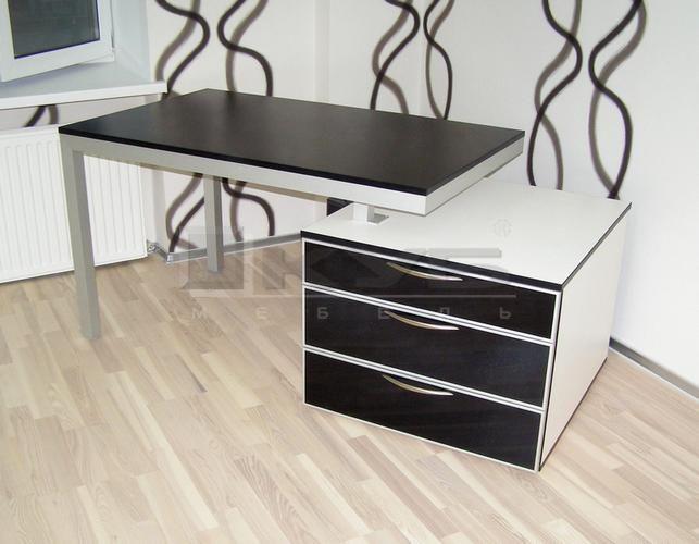 stol-rabochij-4