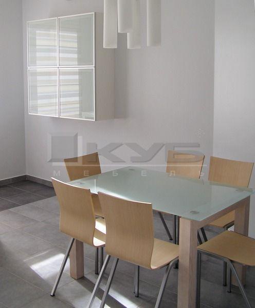 stol-steklo-massiv-1